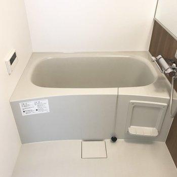 浴室。追い焚き機能付き!