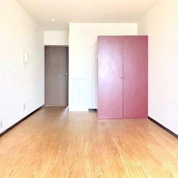 普通のお部屋と思わないで!(※写真は6階の反転間取り別部屋、清掃前のものです)
