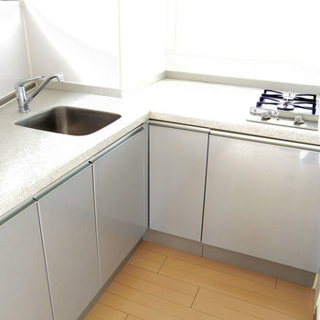広い作業スペース!効率よくお料理できますね(※写真は6階の同間取り別部屋のものです)