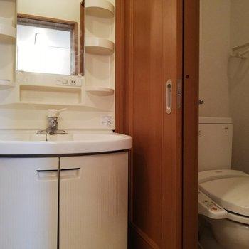 洗面所は、色んなアメニティが置けそう
