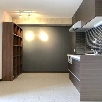 【LDK】キッチンはとても広いですね