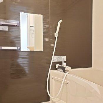浴室乾燥機対応のお風呂です※写真は3階の同間取り別部屋のものです