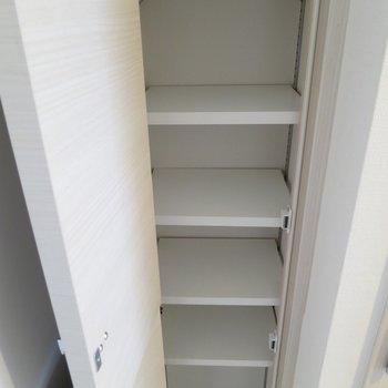 シューズボックスは足りるかな※写真は3階の同間取り別部屋のものです