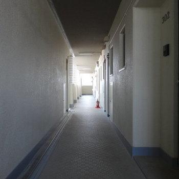 共用廊下も広々キレイ!