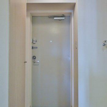 ゆったりとしたスペース.。※写真は604号室のもの