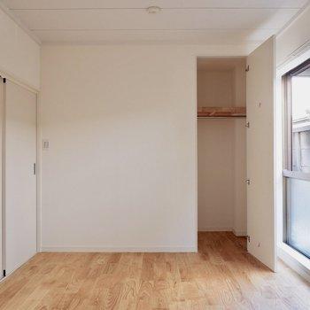 【6帖洋室】各洋室がスライド扉のため、場所を取らないのが良いですね◎