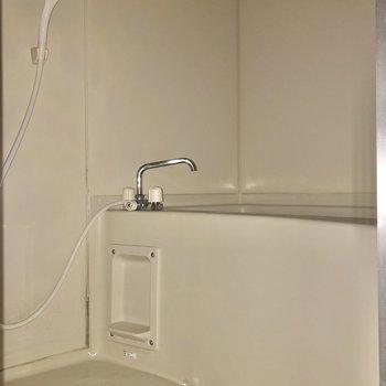 お風呂はゆったりサイズ※写真は2階の同間取り別部屋のものです