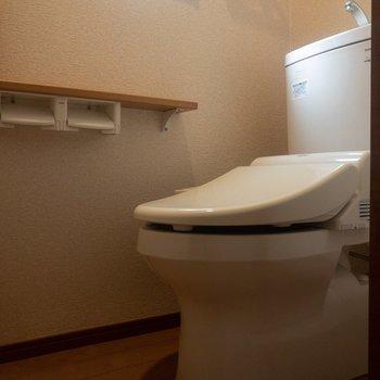 トイレは温水洗浄付き。※写真は通電前のものです