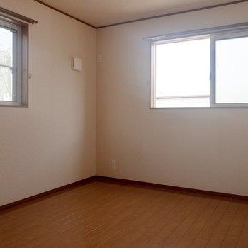 【洋室③】北向きのお部屋。ここもゆったりしていますね。※写真は通電前のものです