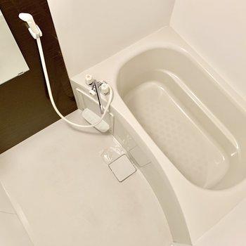 バスルーム。清潔感がありますね。