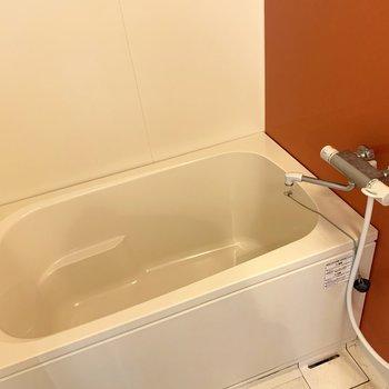 お風呂は可愛らしいオレンジ◎