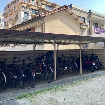 自転車置場は建物裏に!