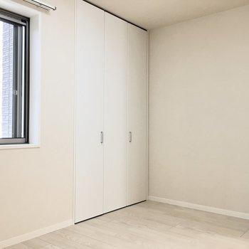 シンプルな空間を自分色へ。