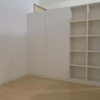秘密基地みたいな寝室スペース※写真は同間取り別部屋です