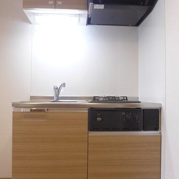 キッチン周りの収納も充実※写真は3階の同間取り別部屋のものです