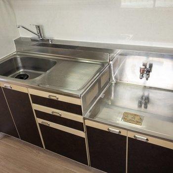 キッチンは調理スペースもしっかり確保できそうです