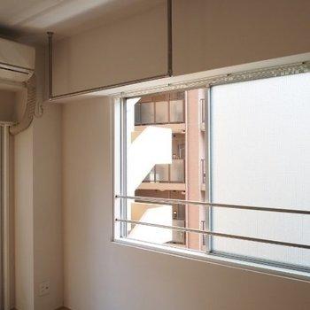 洋服はここで乾かしましょう!※写真は5階の同間取りの別部屋です