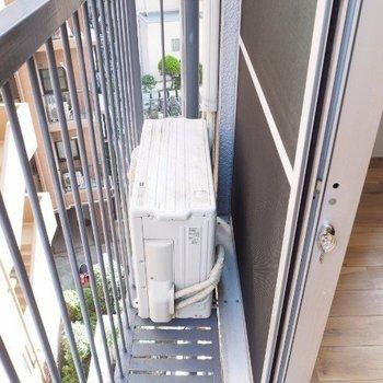 狭いのでお布団くらいなら干せそうです※写真は5階の同間取りの別部屋です