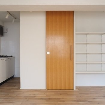 建具もやさしい木目※写真は5階の同間取りの別部屋です