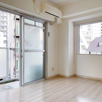 2面に窓があるのは角部屋の特権です◎