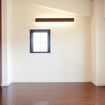 角部屋なので2面採光※同間取り別部屋の写真です。