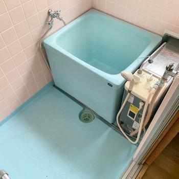 バランス釜のお風呂です。