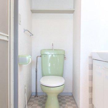 トイレは爽やかなペールグリーン♪(※写真は3階の反転間取り別部屋のものです)