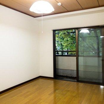 【洋室②】間取り図右側のお部屋。ここは居室にしようかな。
