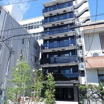 新築のスタイリッシュなマンション