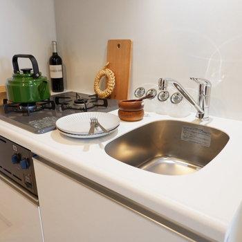 しっかりと作業スペースも確保できます※家具はサンプルです