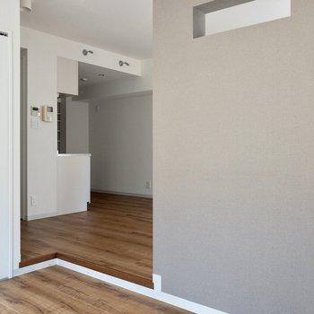 段差があるため、居室と寝室との区別がつきそうです。