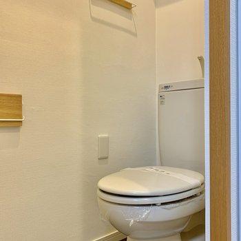 まだまだキレイなトイレ、小物も気を使用して統一感出てます