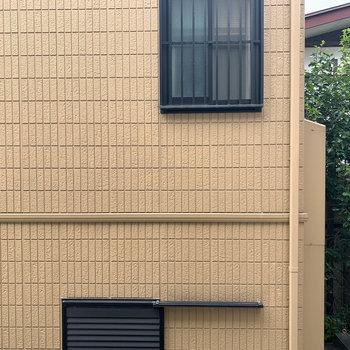 眺望は向かいのお家です。