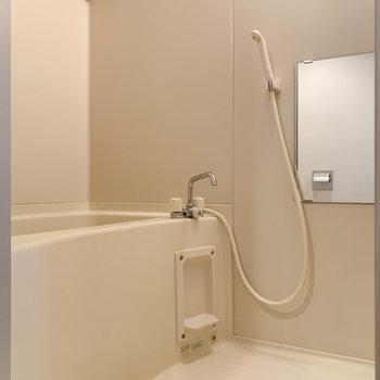 浴室乾燥のついたお風呂です。