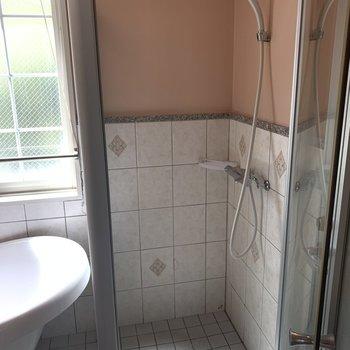 しっかりと独立したシャワールーム
