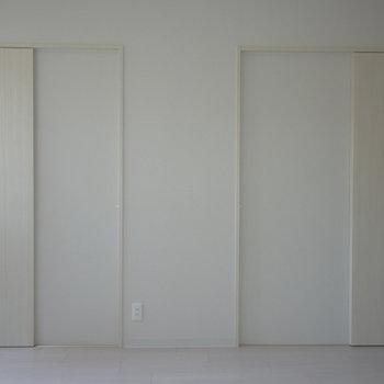 スライド式の扉がお部屋を広く見せるコツ!※写真は同タイプの別室です。