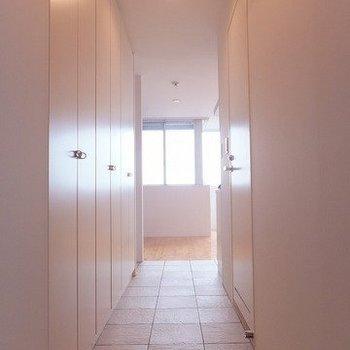 収納多いですな! ※写真は5階の反転間取り別部屋のものです