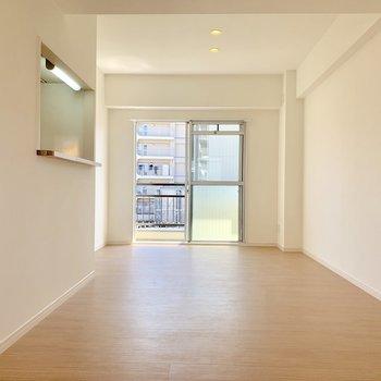 【LDK】お部屋は白くて明るい