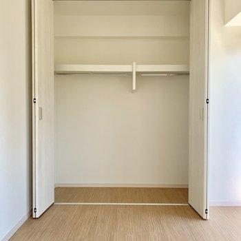【洋室】収納も容量たっぷりです