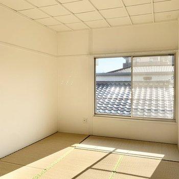 和室も6帖です。ごろんと日光浴しながら寝そべりたい。。