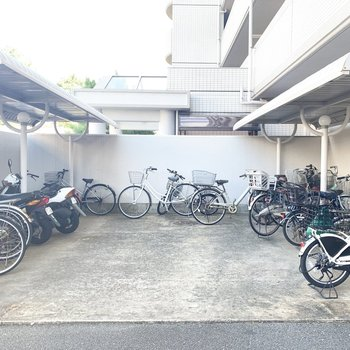 駐輪スペースもしっかり◎