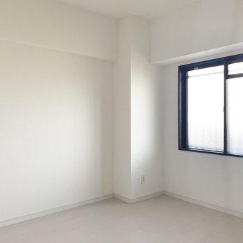 間取り図左側の洋室。お部屋は1つずつ〜