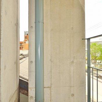 北側のバルコニー※写真は同タイプの別室。