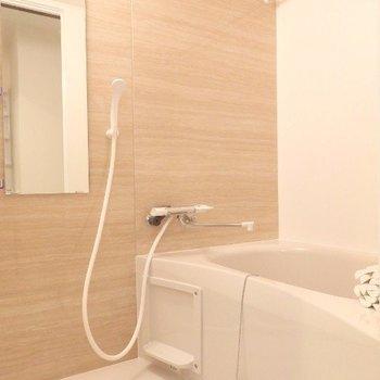 浴室乾燥機つきです(※写真は5階の同間取り別部屋のものです)