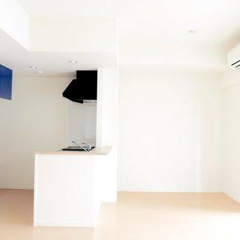 パズルのようなかくかくがいっぱい※写真は8階の似た間取り別部屋のものです