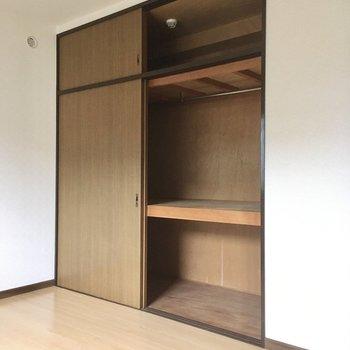 収納けっこう大きめです。夫婦の書斎としても使えそう。