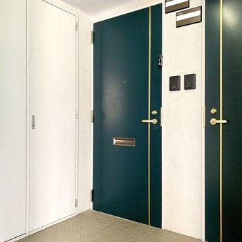 共有部】緑の扉が目印です!