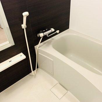 浴室乾燥もついたバスルーム。