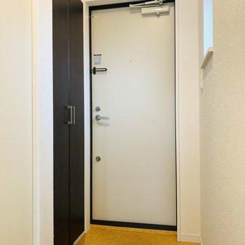 玄関スペースはシンプルに。