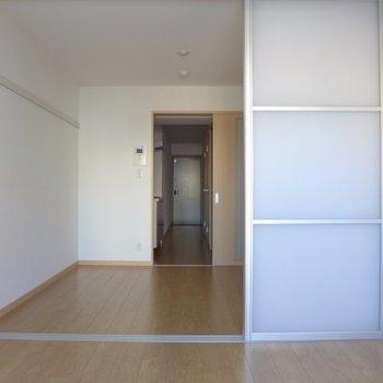 ベランダ側からパシャリ(※写真は5階の同間取り別部屋のものです)